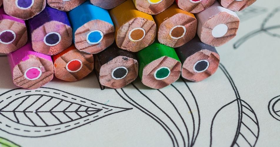 kolorowanki doskonalą umiejętności plastyczne