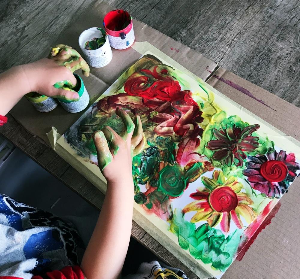 malowanie palcami z dzieckiem